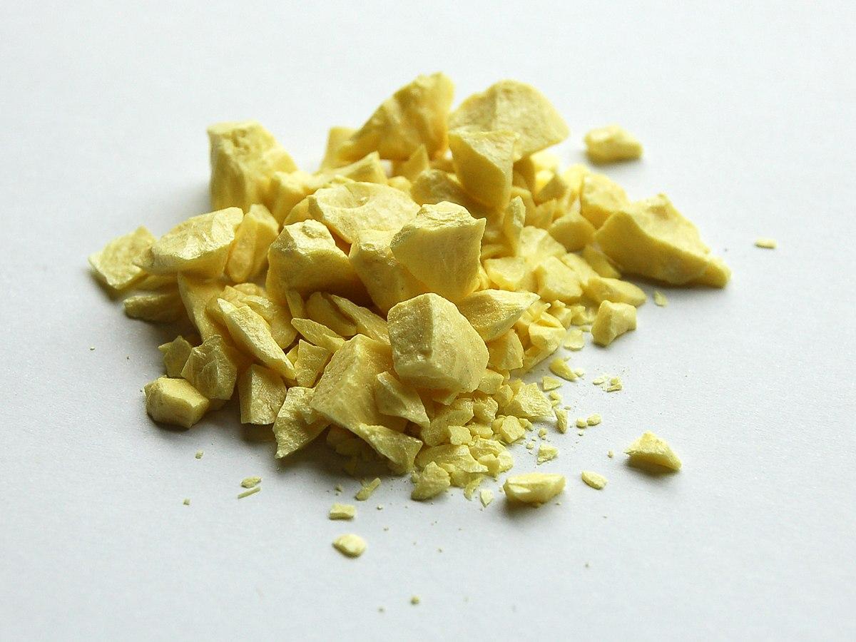 1200px-Sulfur-sample